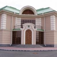 Фасад здания, покрашенный силикатными красками