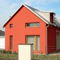 Загородный дом, окрашенный силикатными красками